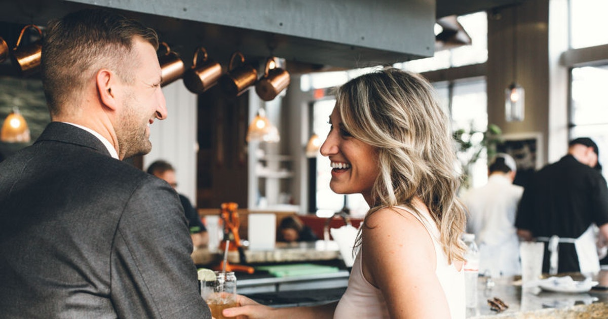 17 Clever Pickup Lines To Try At A Bar That Are Pitcher Perfect