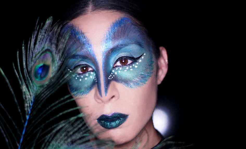 This Peacock Makeup Tutorial Will Make You Flock To All The Blue
