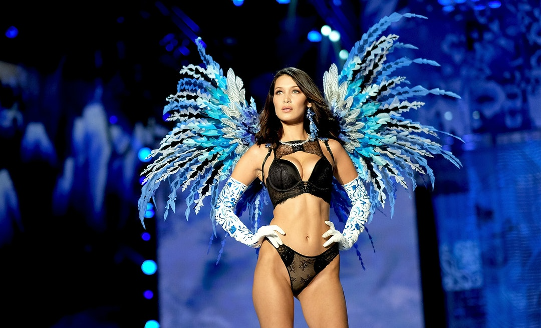 The Victoria S Secret Fashion Show 2018 Date Models Performers More