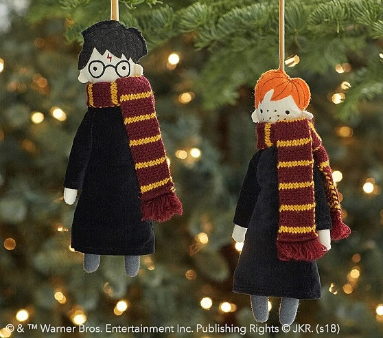 Harry Potter Christmas.Pottery Barn S Harry Potter Christmas Decor Is As Festive As