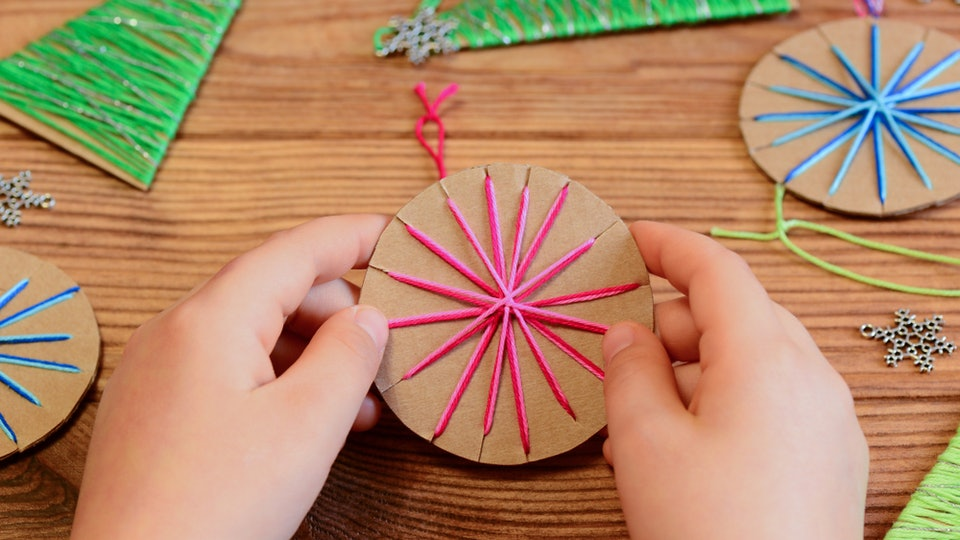 Easy Christmas Crafts For Kids To Make.12 Easy Christmas Ornaments Kids Can Make Without Destroying