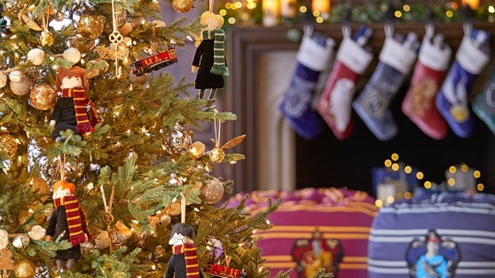 15 Harry Potter Holiday Decorations That Will Make Your Space As
