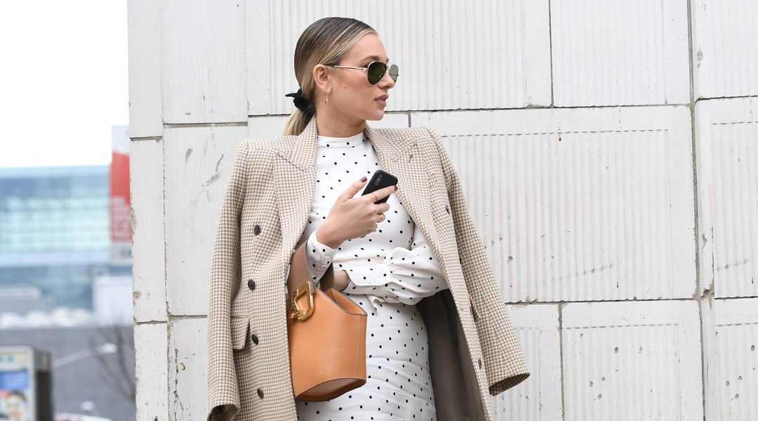 8 Winter Work Outfits That Nail Cold-Weather Dressing For