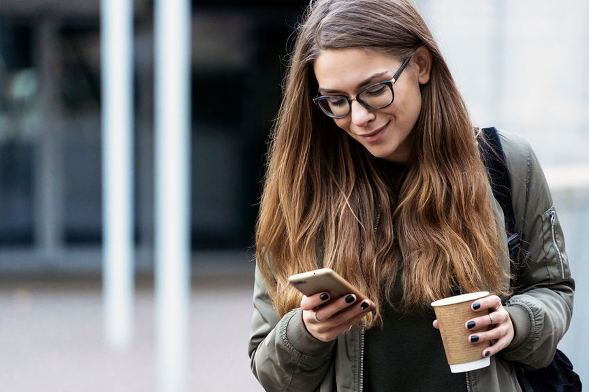 4 Signs You're Texting Your Partner Too Much, Straight From The Experts