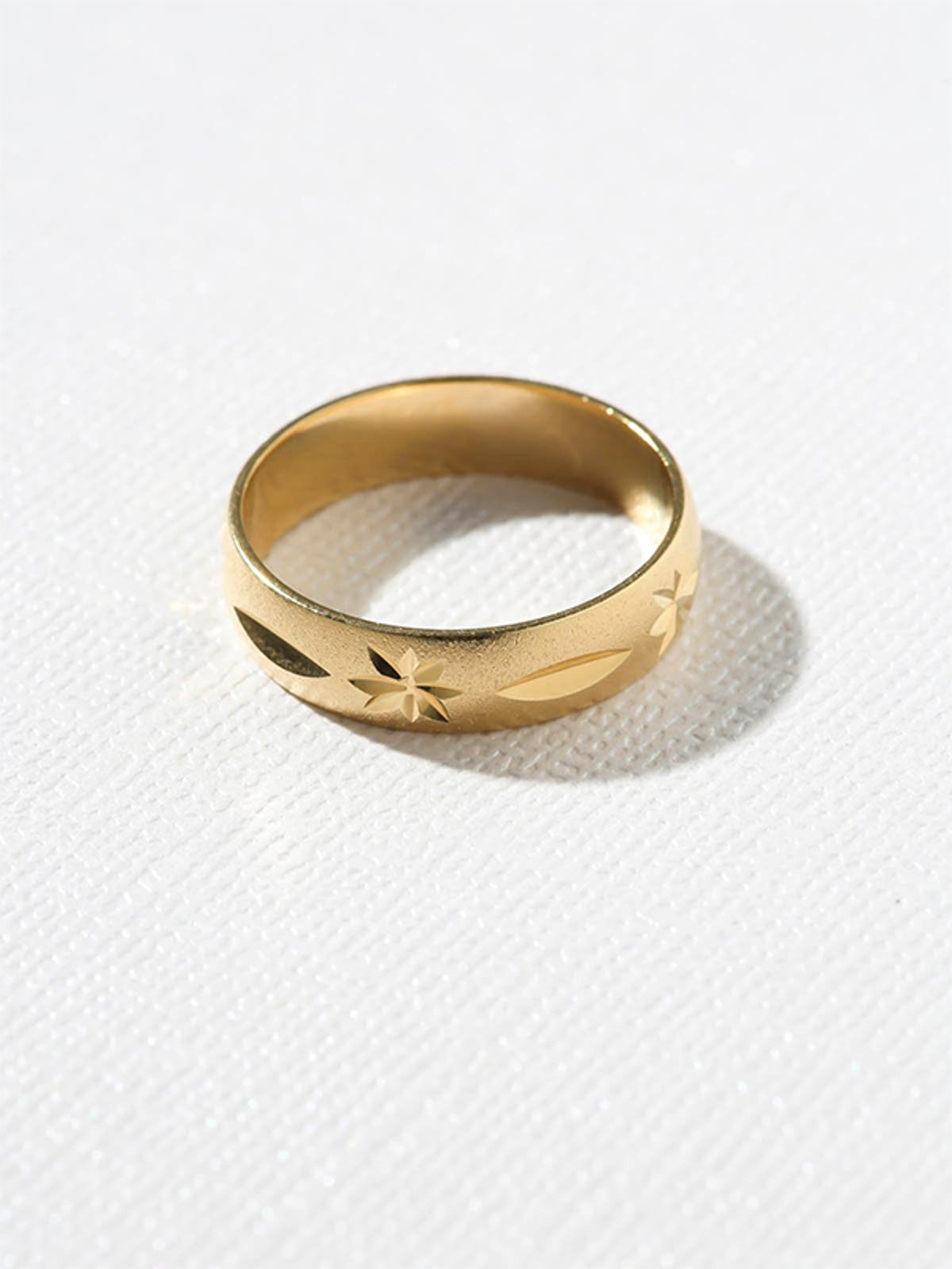 The Vintage Star Ring