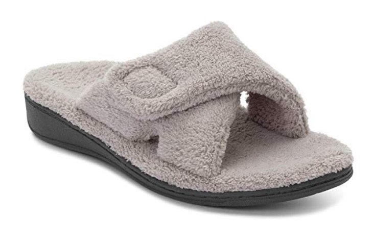 b3c1f83763e The 4 Best Women s Slippers With Arch Support
