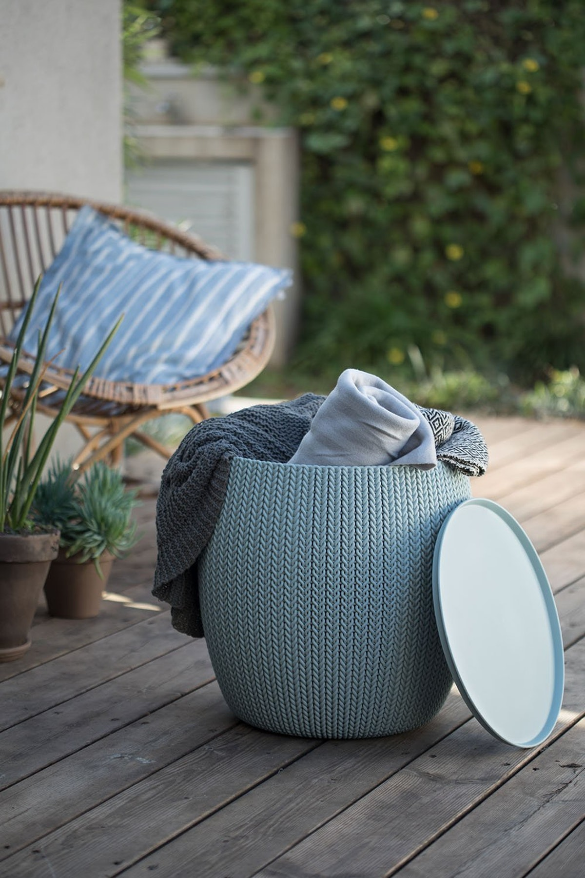 Taupe And Blue Urban Knit Pouf Set