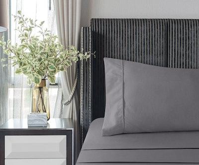 Utopia Bedding Soft Brushed Microfiber Sheet Set