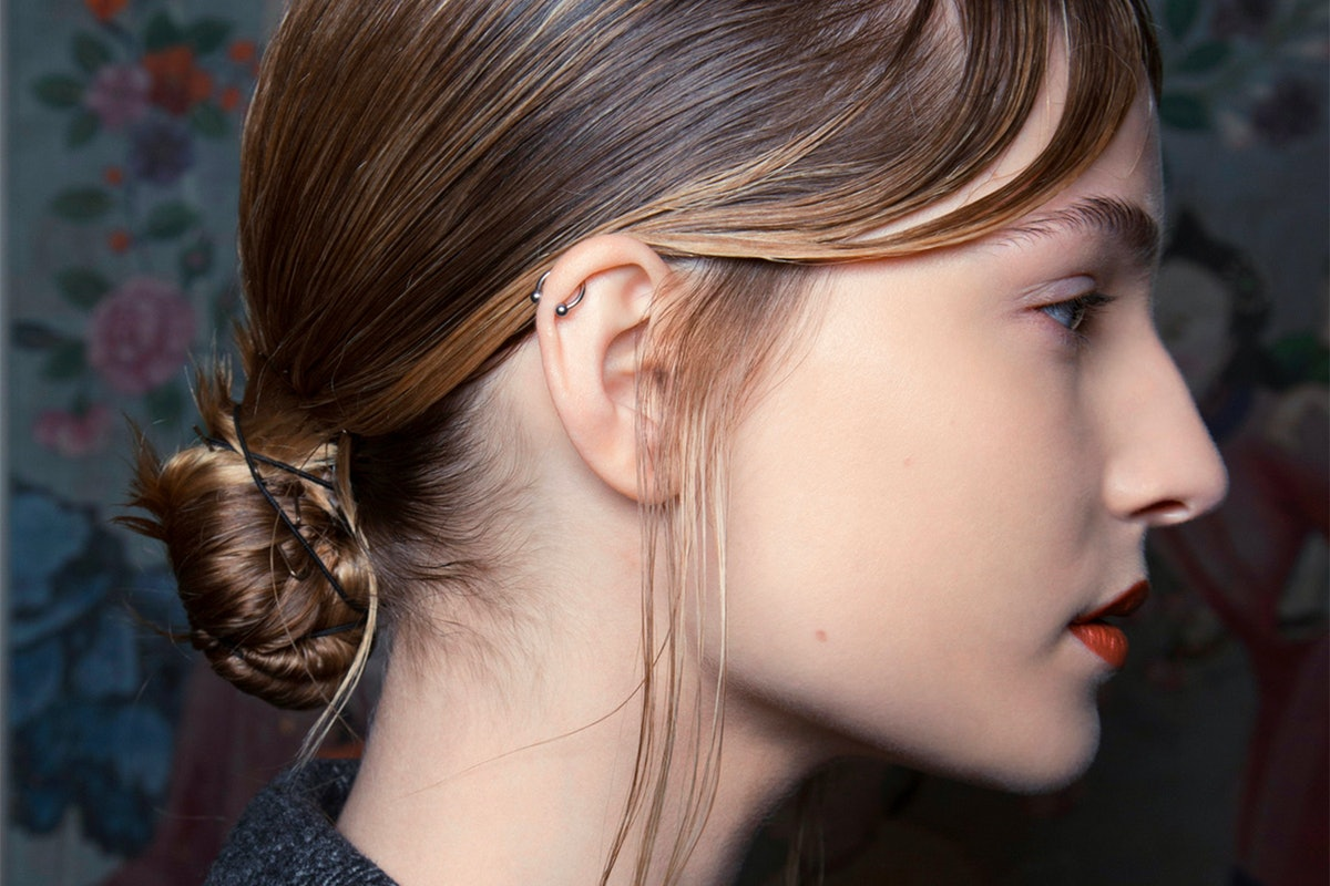 5 Easy Holiday Hairstyles For Medium-Length Hair For When You Have Zero Time
