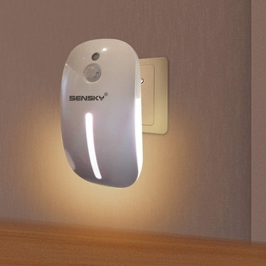 Sensky Plug-In Motion Night Light