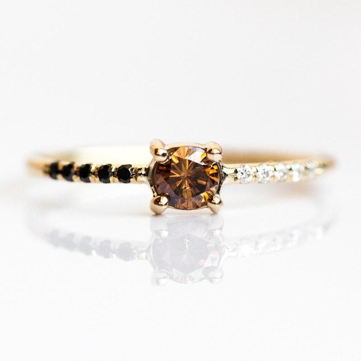 Honey Ring in Yellow Gold
