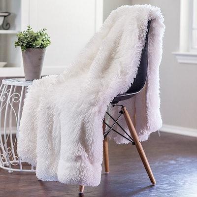 Chanasya Shaggy Throw Blanket