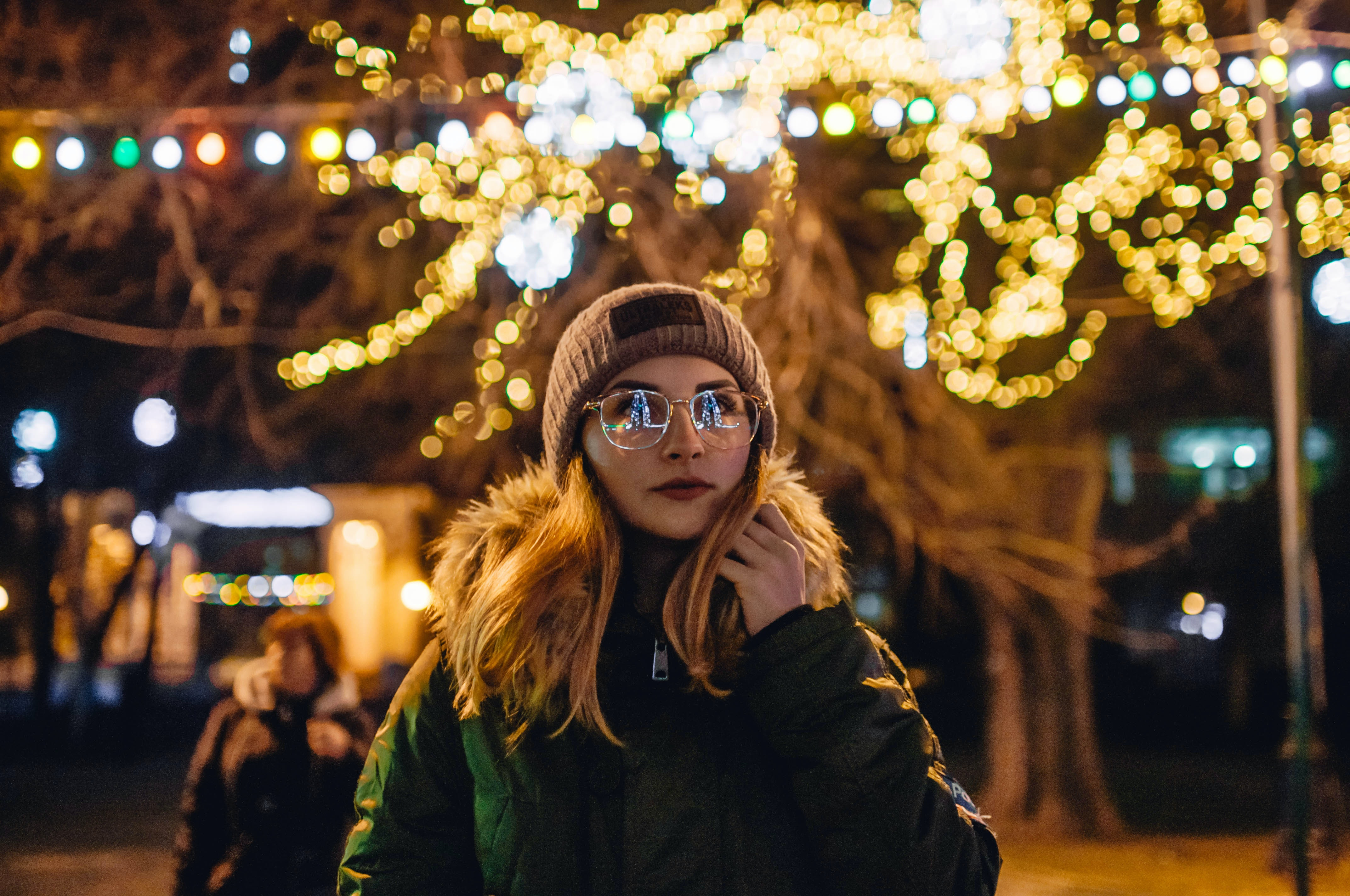 30 Fairy Lights Captions For Instagram That Are So Merry & Bright