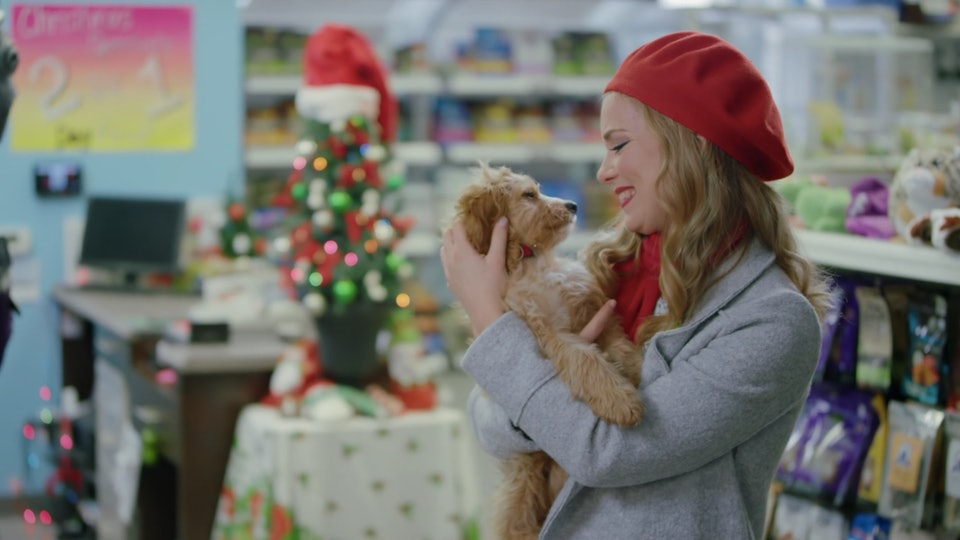 Dd Christmas.9 Christmas Movies On Hulu That Will Get You In The Holiday