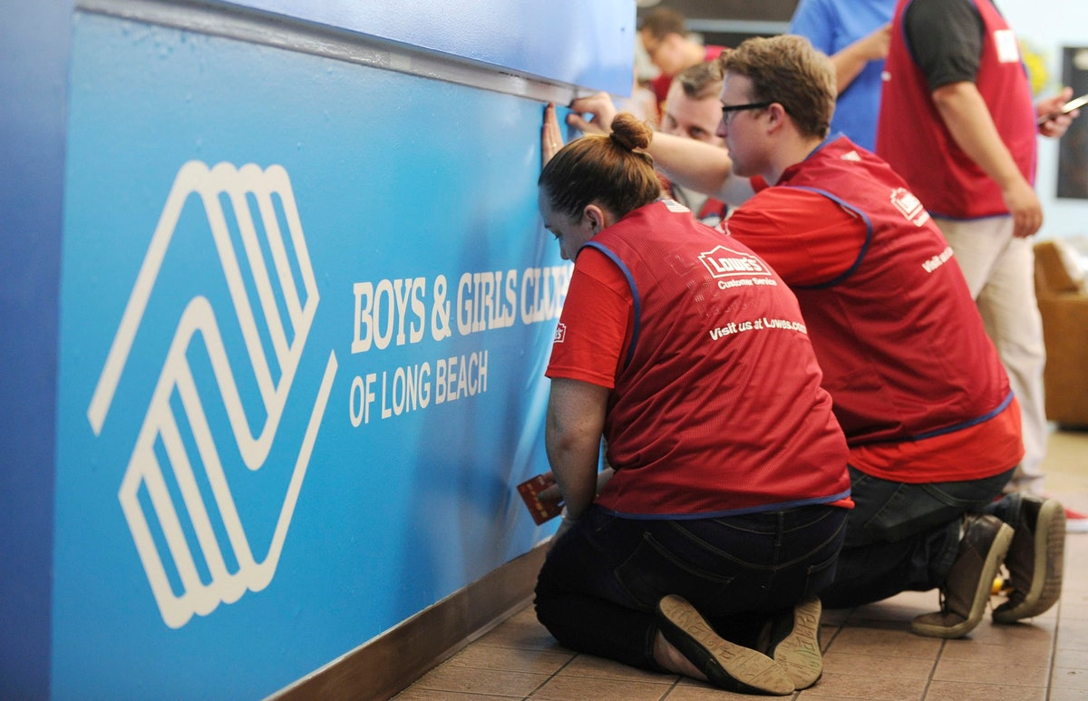 PSA: Old Navy Is Matching 3x Donations To Boys & Girls Club Today #GivingTuesday