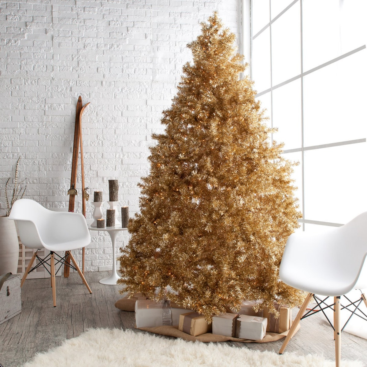 Classic Champagne Gold Full Pre-lit Christmas Tree