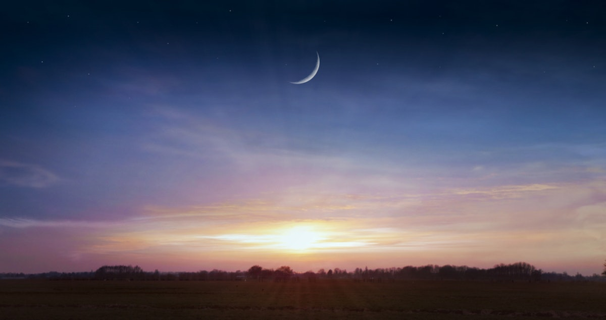 8 Meditations For The December 2018 New Moon That Will Help All Zodiac Signs Feel At Ease