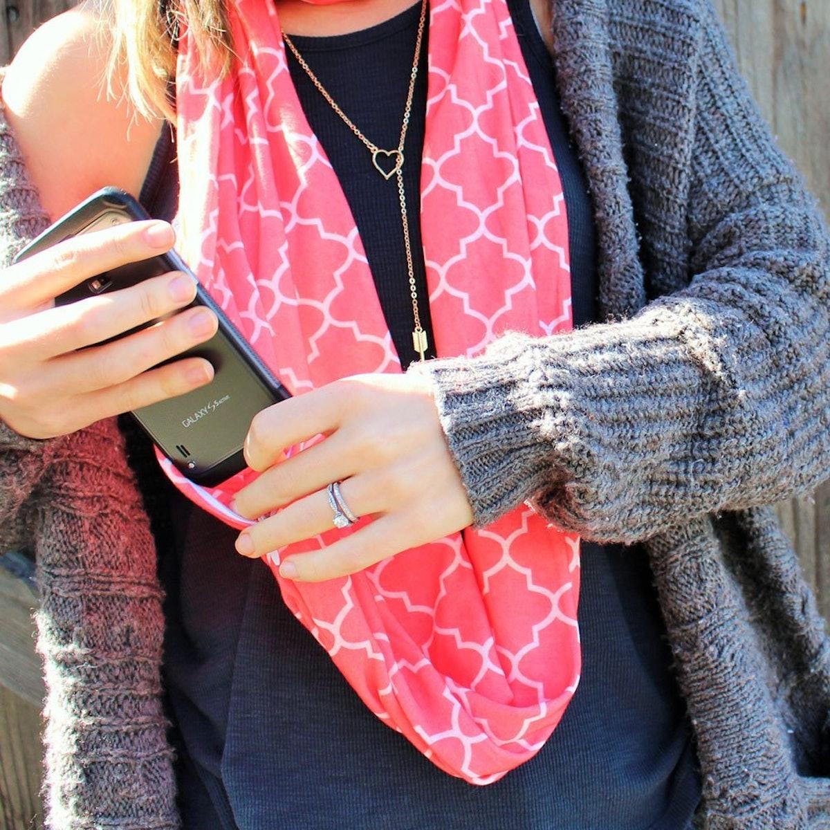 Pop Fashion Hidden Pocket Infinity Scarf