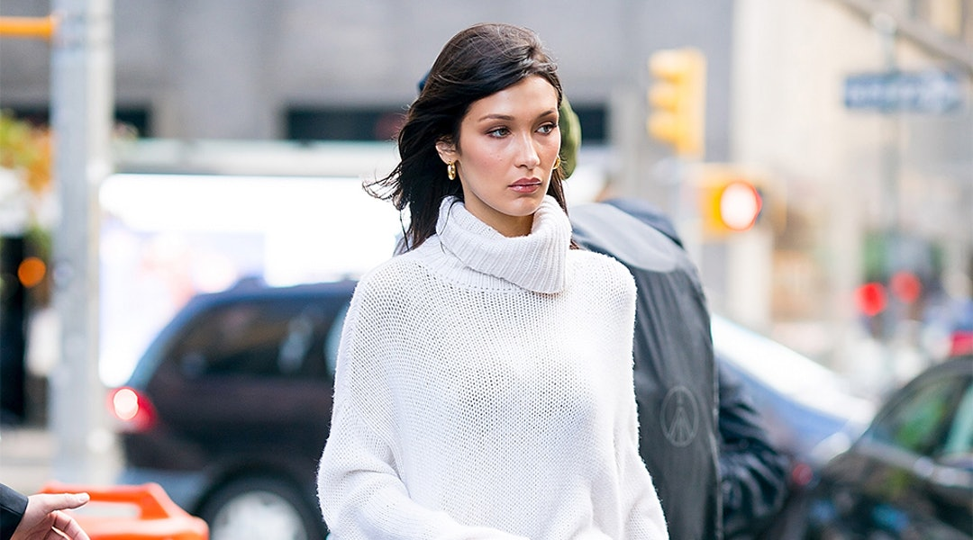 Bella Hadid S Snakeskin Boots Are An Easy Way To Elevate