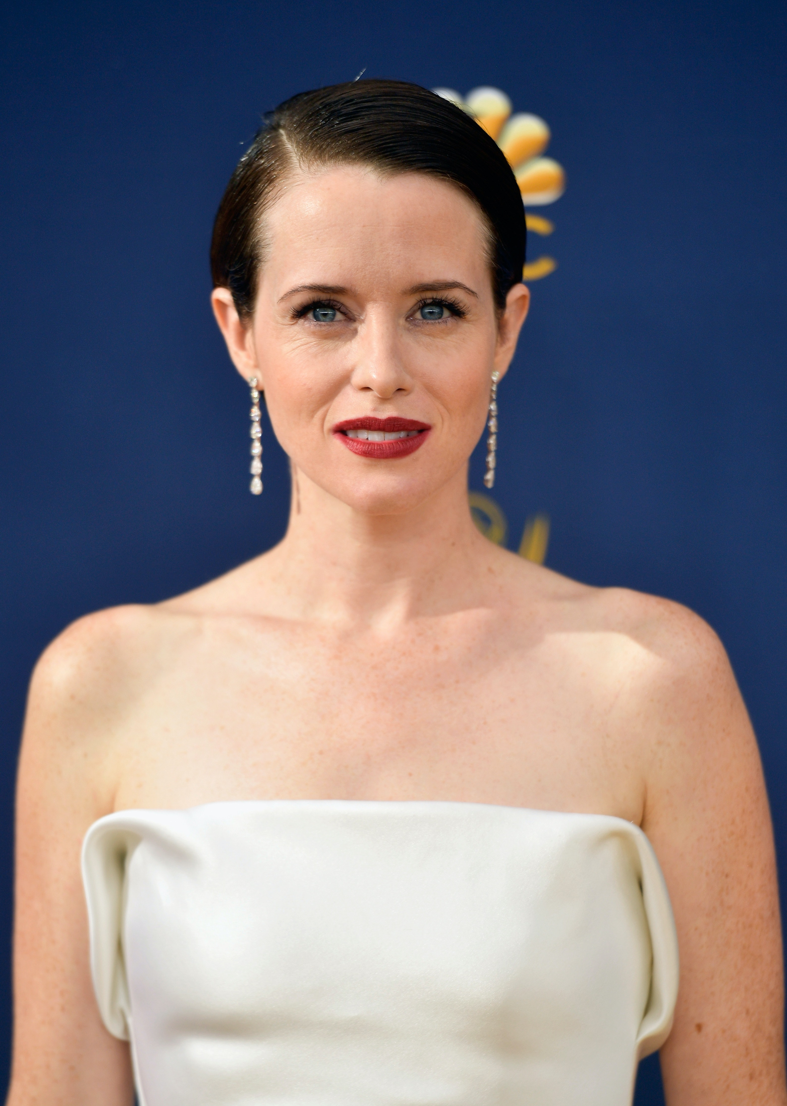 How To Style A Bob Like Claire Foy Spoiler It S So Easy