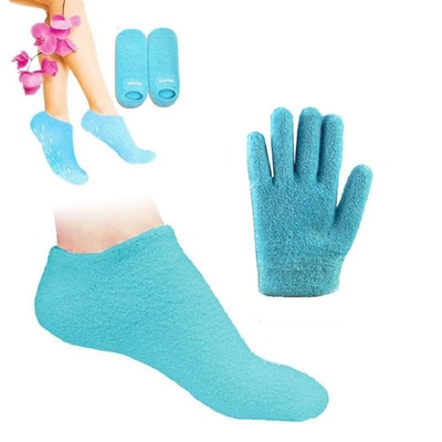 Pinkiou Moisturizing Gloves And Socks Set