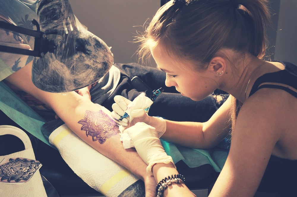 7 Interesting Pieces Of Tattoo Shop Etiquette Everyone Should Know