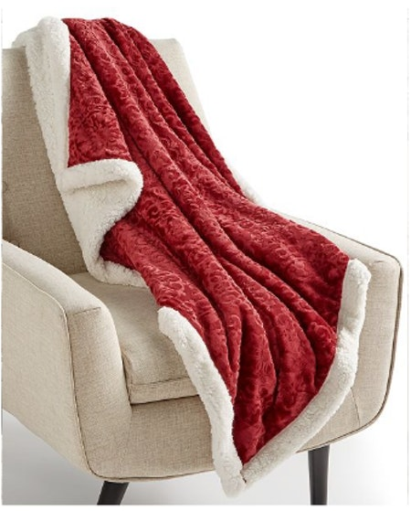 Textured Medallion Reversible Classic Sherpa Throw