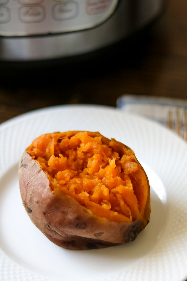 Instant Pot Sweet Potatoes make a tasty addition to your Friendsgiving 2019 table.