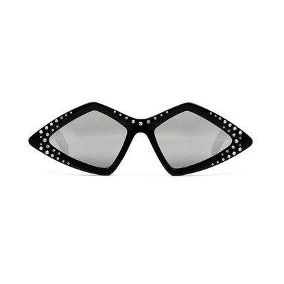 Diamond-frame sunglasses with crystals