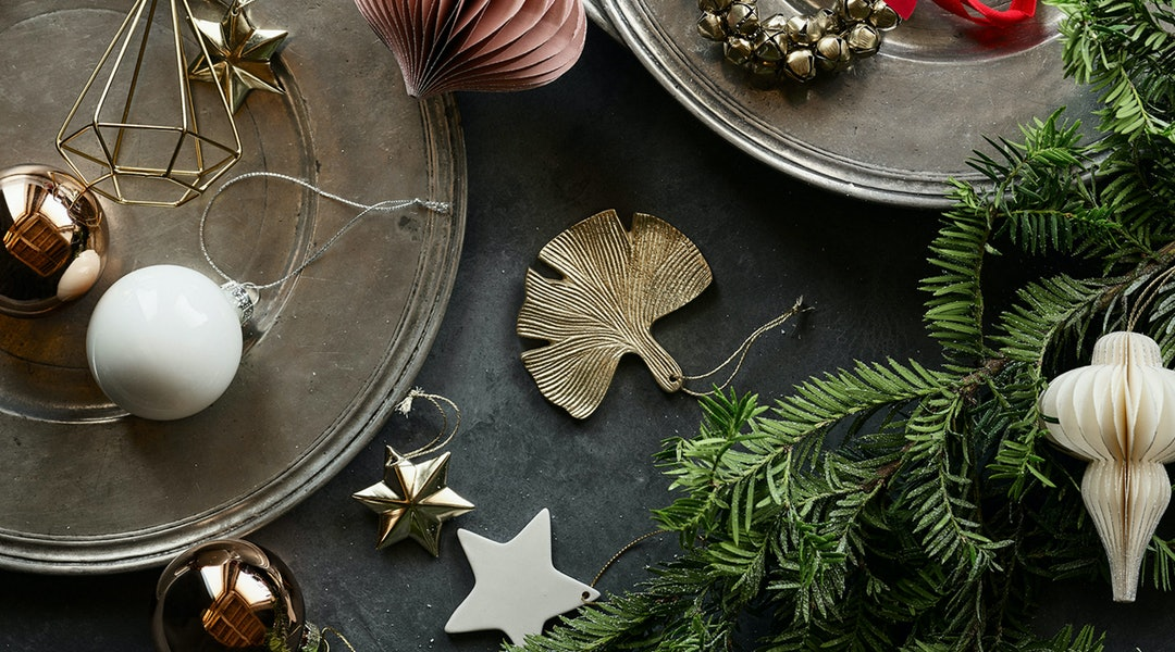 ee41e5f1f1d0e 15 Cheap Holiday Decorations At H&M That'll Add A Festive Feel To ...