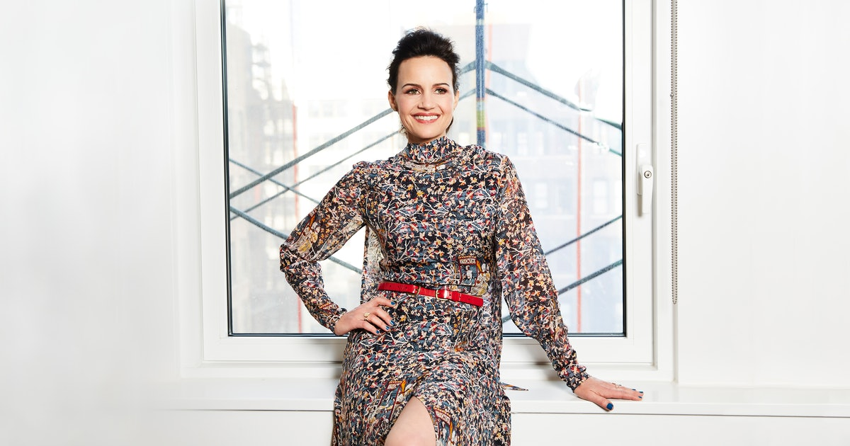 Carla Gugino Knows The Horror Of 'The Haunting Of Hill House' Is Deeper Than A Jump Scare