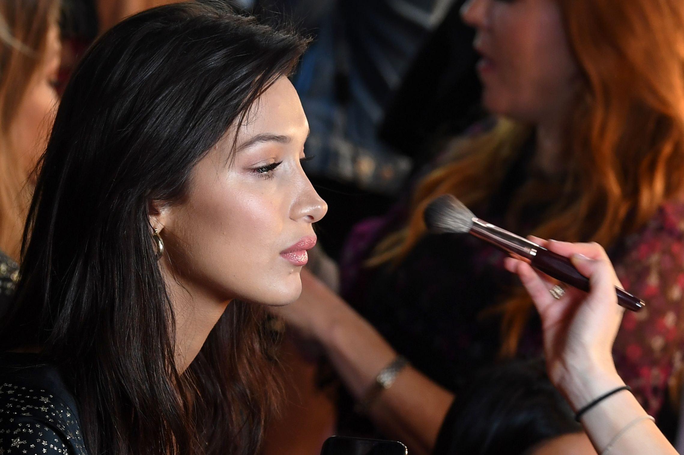 ea0a1688160a7 8 Victoria's Secret Fashion Show 2018 Makeup Products You Can Buy ...