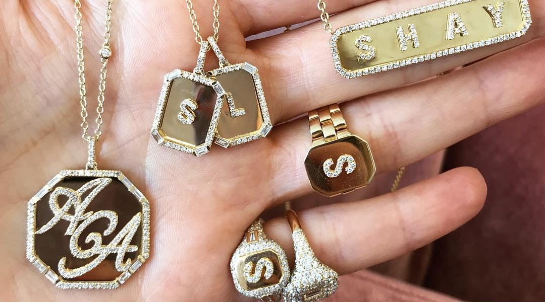 8141812cd0644a 14 Personalized Jewelry Brands Designing The Prettiest Monogram And Zodiac  Pieces