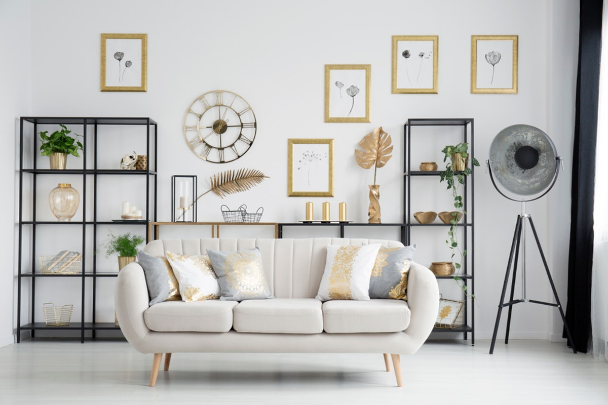 Gallery Wall Ideas For Those Who Don't Want To Commit To Paint Or Wallpaper