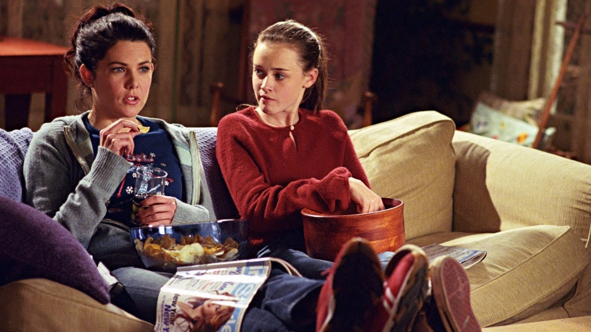A 'Gilmore Girls' Lunch In Lorelai's House At The Warner Brothers Studio Tour Sounds Like The Ultimate Fan's Dream