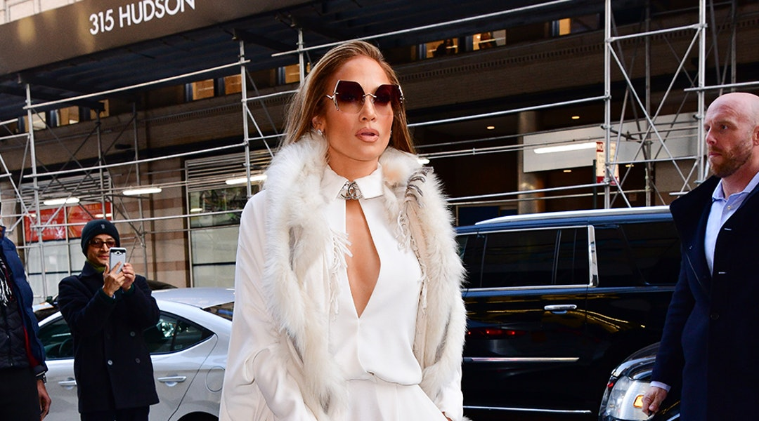 20b6c425fd Jennifer Lopez's Monochrome Outfits Are The Solution To Winter Dressing