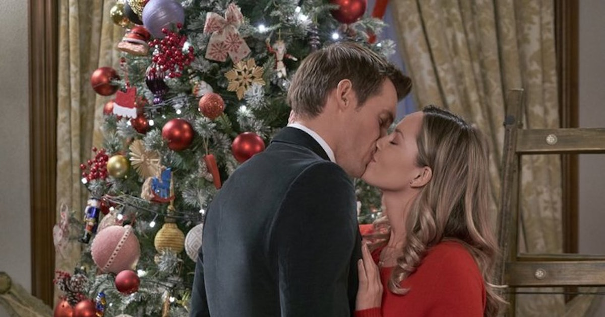 Hallmark Added A New Christmas Movie To Its Schedule That ...