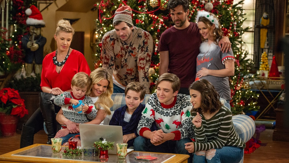 The 'Fuller House' Season 4 Christmas Episode Included A Rare Mention Of D.J.'s Husband & Grief