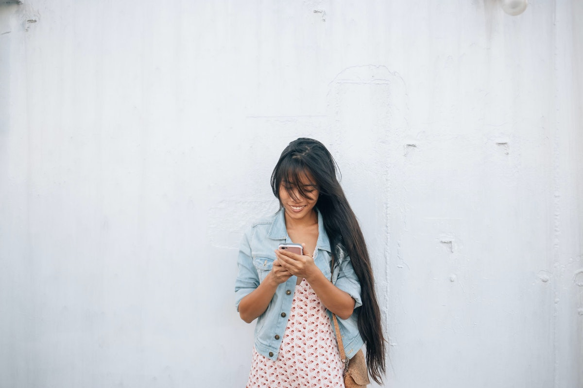 Should You Text Your Ex To Congratulate Them? Here's How To Decide