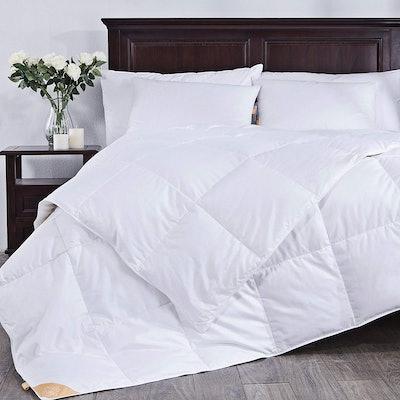 puredown Lightweight White Goose Down Comforter