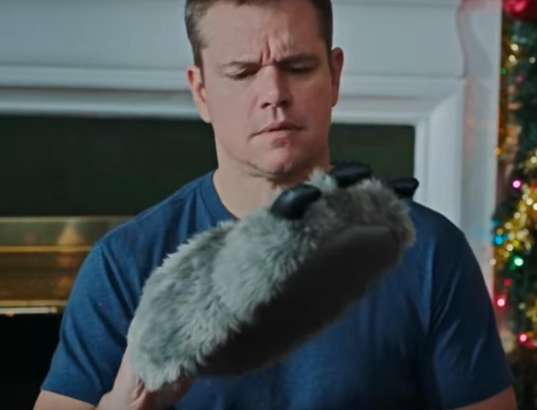 Best Christmas Ever Snl.Matt Damon S Snl Skit About Christmas Will Hilariously Hit