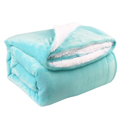 "Sherpa 50""x60"" Reversible Throw Blanket"