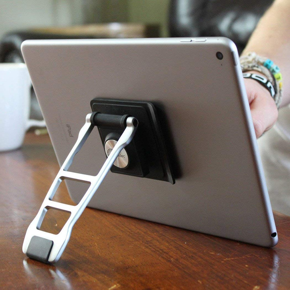 Lynktec Adjustable Tablet Stand