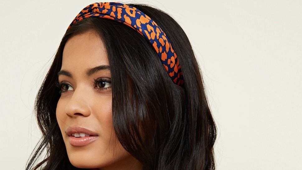 7 Knotted Headbands To Add Style To Any Outfit d43ffb5e3e5