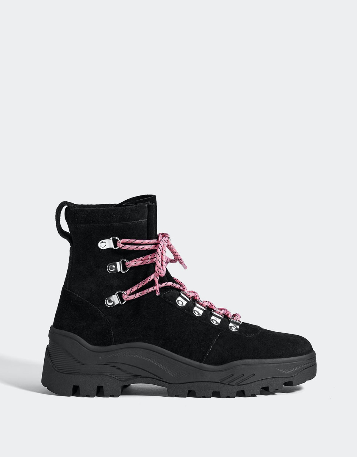 LEATHER track sole ankle boots
