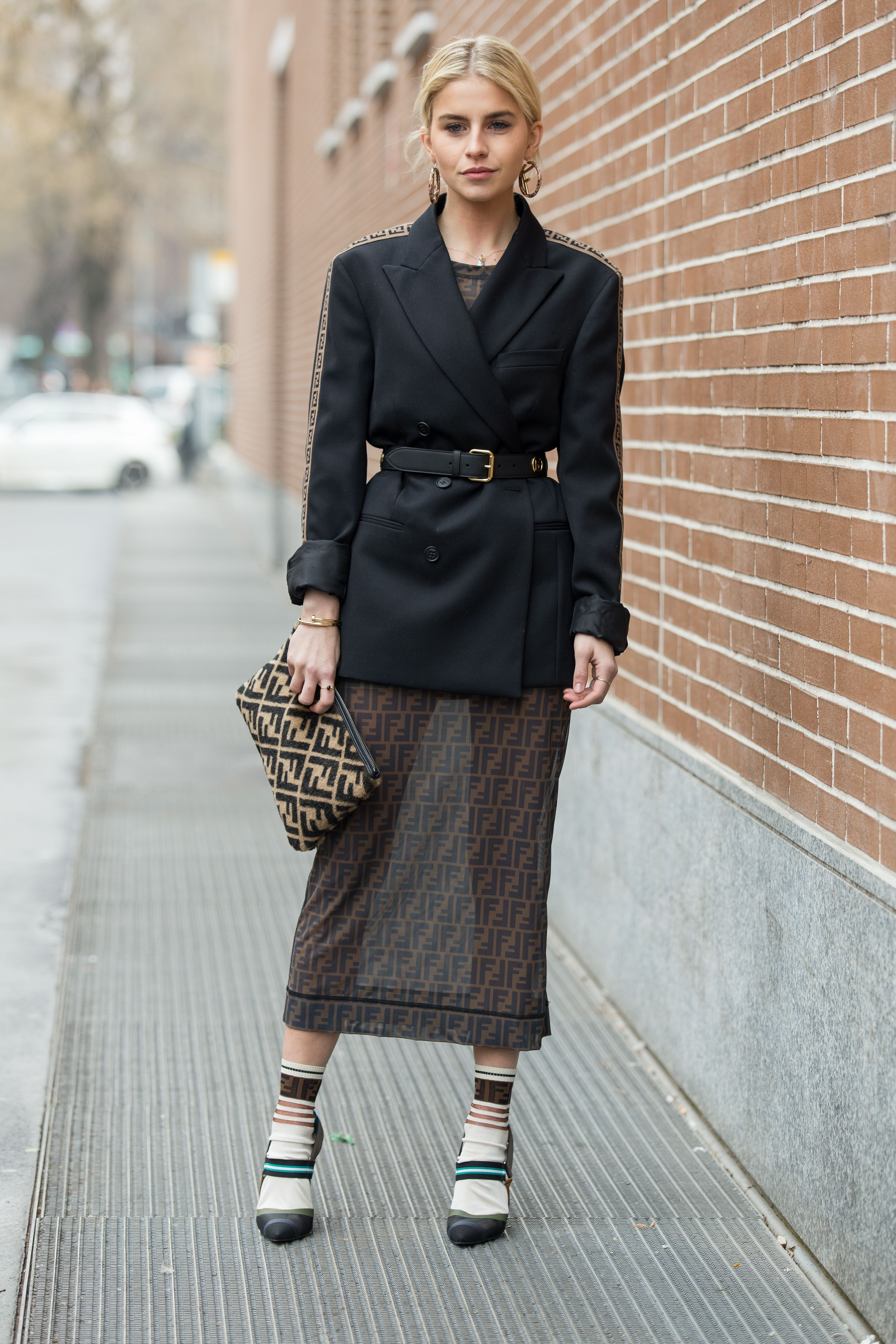 f7fe96dfc5781c How To Wear A Belted Blazer Outfit, Your Go-To Look Of 2019