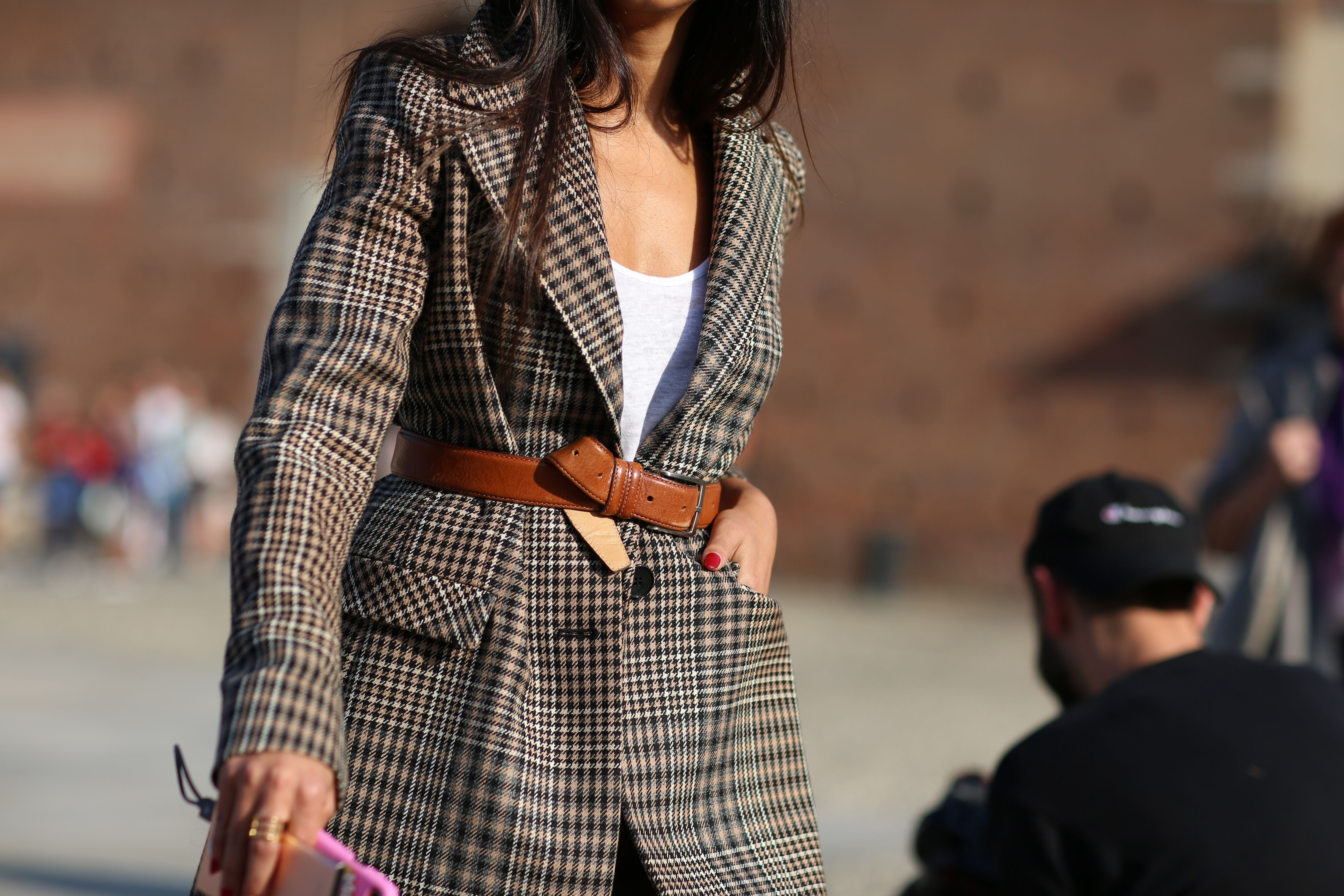 49131d056e7 How To Wear A Belted Blazer Outfit