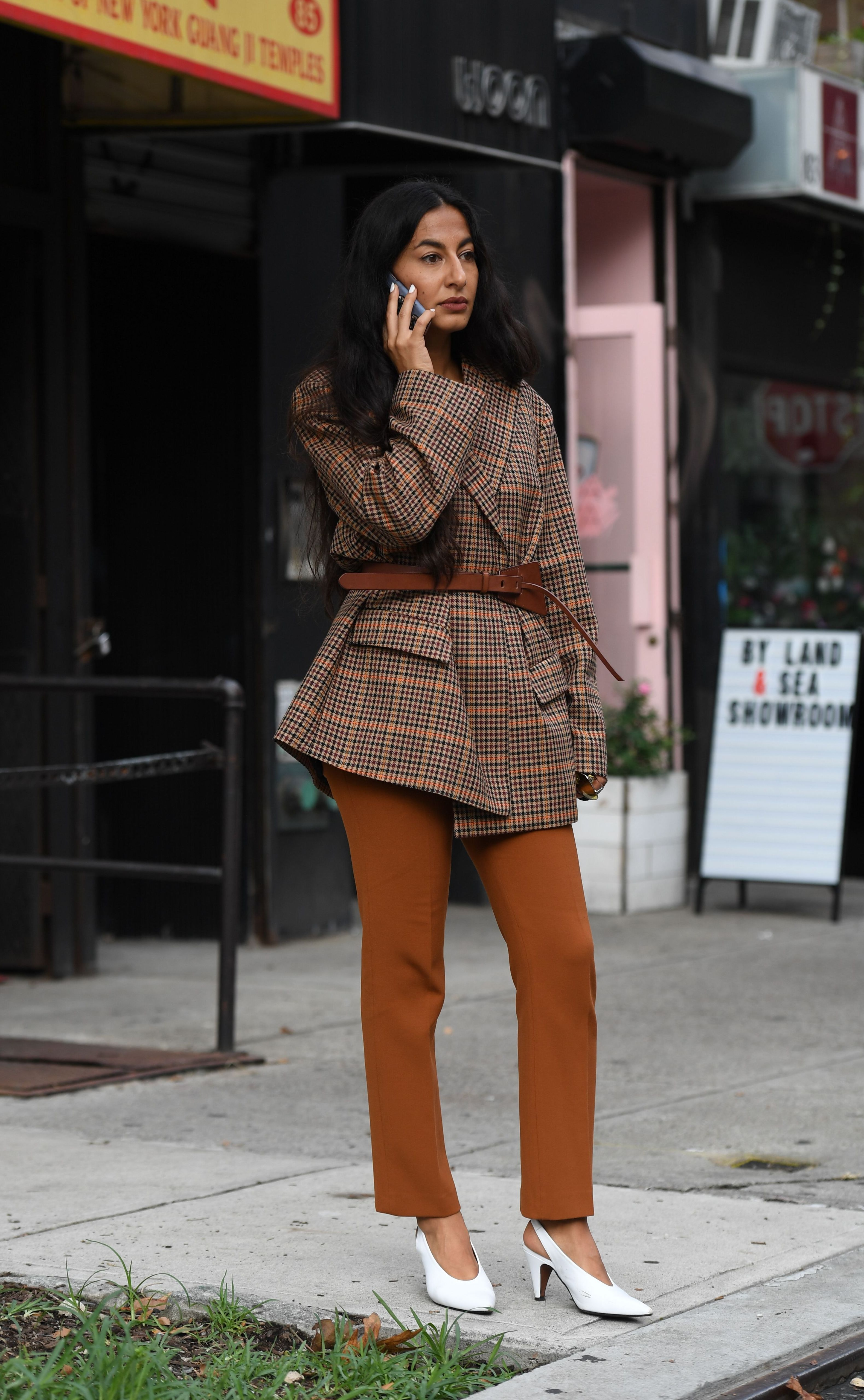 5eb21fde7 How To Wear A Belted Blazer Outfit, Your Go-To Look Of 2019