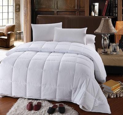 Royal Hotel Down-Alternative Comforter