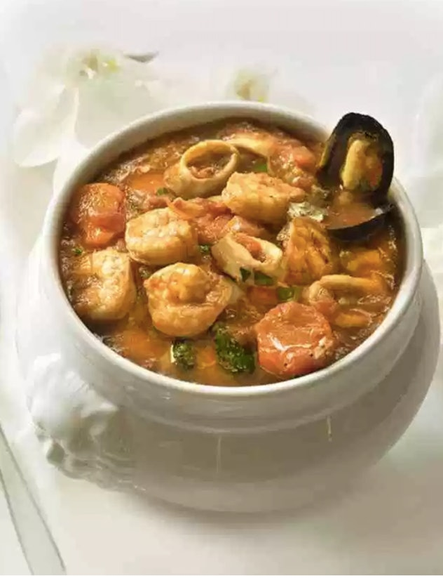 stew with shrimp, muscles and calamari